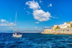 九头蛇海岛在一个夏日在希腊 图库摄影