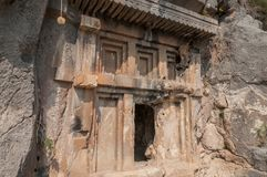 也有在山的古老Lycian埋葬 免版税库存照片