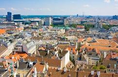 维也纳鸟瞰图如被看见从圣徒斯蒂芬(Stephansdom)大教堂 免版税库存照片