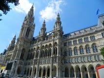 维也纳,奥地利新哥特式市政厅  库存图片