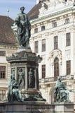 维也纳,奥地利, E U - 2016年6月05日:对皇帝弗朗兹的纪念碑 免版税库存图片