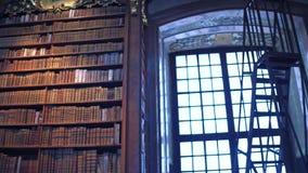 维也纳,奥地利- 12月,奥地利国立图书馆24 Steadicam内部射击  4k夹子 股票录像