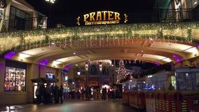 维也纳,奥地利- 12月,对著名Prater市公园的24个入口在晚上 普遍的旅游目的地 库存照片