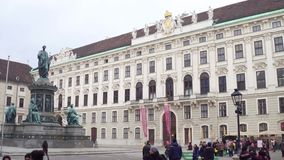 维也纳,奥地利- 12月,神圣罗马帝国皇帝列表弗朗西斯24个雕象II在Hofburg宫殿 免版税库存照片