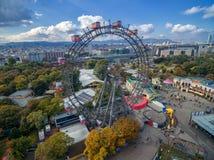 维也纳,奥地利- 2016年10月07日:巨型弗累斯大转轮 熏肉香肠Riesenrad 它是世界` s最高的现存弗累斯大转轮 免版税库存照片