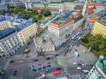 维也纳,奥地利- 2016年10月05日:阿尔贝蒂娜博物馆 有staterooms汇集的19世纪哈里斯堡宫殿的老主人印刷品和2 免版税图库摄影