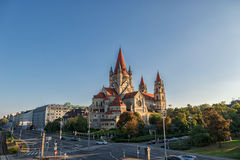 维也纳,奥地利- 2016年10月07日:阿西西教会,维也纳圣法兰西斯  亦称Kaiser周年纪念教会和墨西哥C 免版税库存图片
