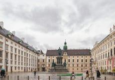 维也纳,奥地利- 2016年10月06日:弗朗西斯雕象II,奥地利的神圣罗马帝国皇帝列表,然后皇帝,匈牙利的使徒国王 免版税库存图片