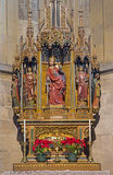 维也纳-哥特式被雕刻的法坛在st.凯瑟琳教堂里在圣斯蒂芬斯大教堂或Stephansdom里。 免版税库存图片
