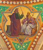 维也纳-摩西壁画法老王场面的从19。分。在Altlerchenfelder教会里 免版税库存图片