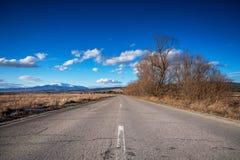 乡下公路在保加利亚 免版税库存图片