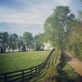 乡下公路在克拉克县,肯塔基 免版税库存照片