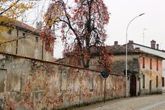 乡下在克雷莫纳,意大利 Castelponzone村庄 免版税库存照片