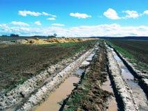 乡下泥泞的跟踪 免版税图库摄影