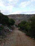 乡下足迹,向小山的路 图库摄影