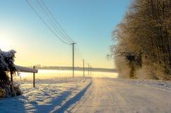乡下路在冬天 免版税图库摄影