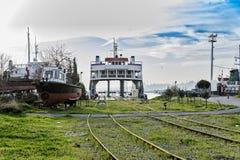 乡愁火车停放了在访客的Haydarpasa驻地,伊斯坦布尔,土耳其 3月` 2017年 免版税图库摄影