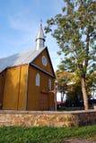 乡村模式的教会 免版税库存照片