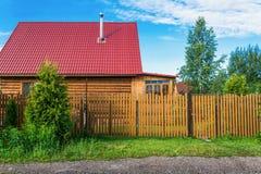 乡间别墅的门面 免版税库存图片