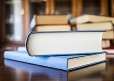 书上色了不同被塑造的许多估量 免版税库存图片