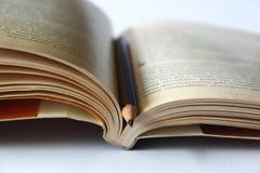 书和铅笔 免版税库存照片