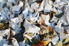 书和页 纸垃圾,背景 库存图片