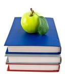 书和Apple 库存图片
