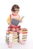 书女孩一点读取 库存图片