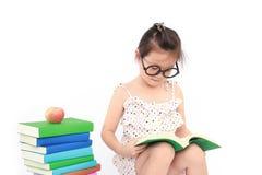 书女孩一点读取 图库摄影