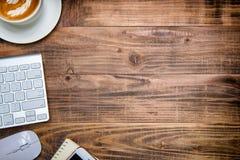 书桌,工作空间 膝上型计算机 免版税库存图片