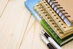 书概念的形成笔 背景教育的图象用途或者企业概念 免版税库存照片