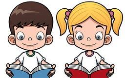 读书的动画片男孩和女孩 免版税库存图片