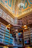 书的巨大的收藏在上帝,罗德岛公立图书馆里  库存图片