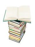 书被开张的栈 免版税库存图片