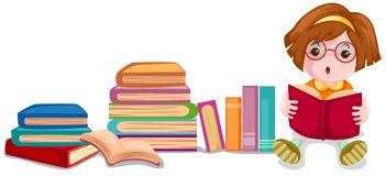 书逗人喜爱的女孩读取 免版税库存图片