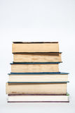 书,在颜色的堆书 免版税库存照片