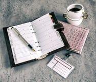 书,笔,笔记本,咖啡 库存图片