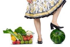 买菜妇女 免版税库存图片