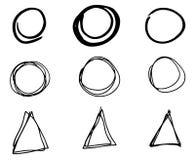 乱画传染媒介圈子和三角 手拉的集合,动画片样式 免版税图库摄影