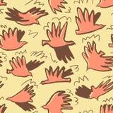 乱画鸠鸟无缝的样式 与滑稽的flyi的背景 免版税库存图片