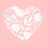 乱画鸟和花卉元素在心脏形状 白色剪影 库存图片