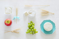 乳制品和果子 犹太假日- Shavuot的标志 库存图片