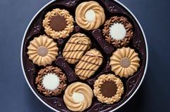 乳脂状的混杂的曲奇饼 库存照片