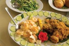乳脂状的蛋黄酱虾和黄油大虾 图库摄影