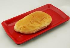 乳蛋糕填装的面包 免版税库存图片