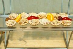 乳蛋糕被冠上的被填装的馅饼 免版税库存图片
