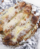 乳酪和蒜味面包棍子 免版税库存照片