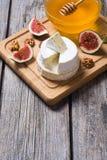 乳酪咸味干乳酪和软制乳酪 库存照片