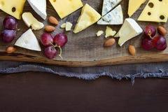 乳酪板背景 免版税库存图片