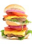 乳酪汉堡分层装置双upclose白色 免版税库存图片